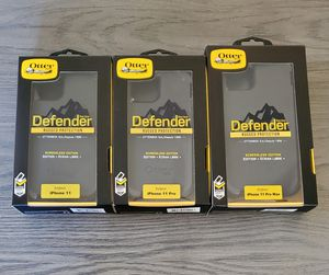 iPhone 11/11 Pro/11 Pro Max Otterbox Defender series case with belt clip holster black for Sale in Santa Clarita, CA