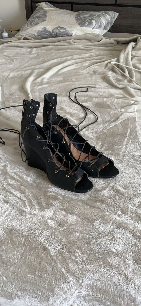 Black lace wedges