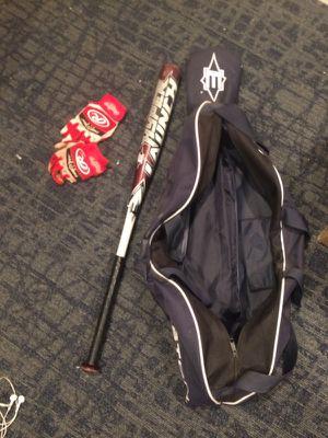 Youth baseball bat, bag and batting gloves for Sale in Philadelphia, PA