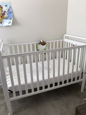 3 in 1 crib/full size bed. for Sale in Peoria, IL