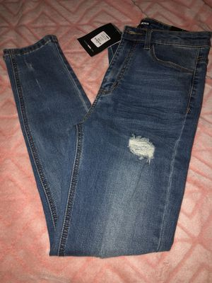 Fashion Nova Distressed Jeans Size 7 for Sale in Houston, TX