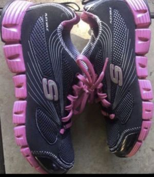Sketcher sport black and hot pink shoes. Size 6.5 for Sale in Rancho Cucamonga, CA