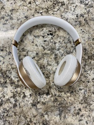 Beats solo 2 for Sale in Harrisburg, PA