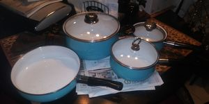 Beautiful pans set 15dol firm lots deals my post go look for Sale in Jupiter, FL
