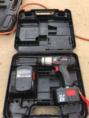 CRAFTSMEN Drill With 2 Batteries Long Time Since Charged, As Is, Charger, 14.4 Volt, Still in Box, Used for Sale in River Rouge, MI