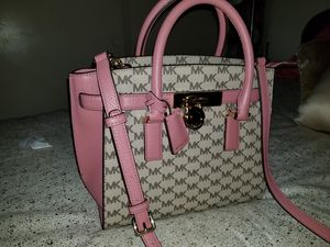 Michael Kors,Marc Jacob's and other top designers handbags and wallets for Sale in Anaheim, CA