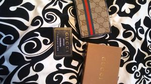 Gucci wallet for Sale in Layton, UT