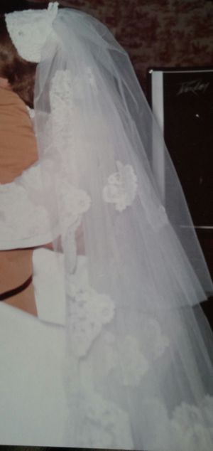Vintage Mantilla Bridal Veil With Camelot Cap for Sale in Germantown, MD