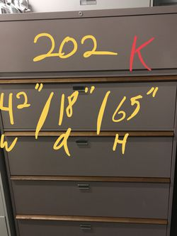 Lateral file cabinet with keys $125 for Sale in Mulberry,  FL