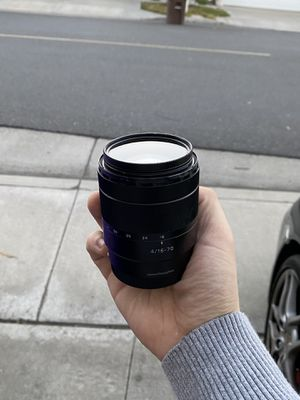 Sony E Mount 16-70 F/4 Zeiss (with polarizing filter) for Sale in Mission Viejo, CA