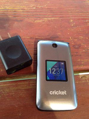 Cricket FLIP phone - Gray for Sale in Fresno, CA