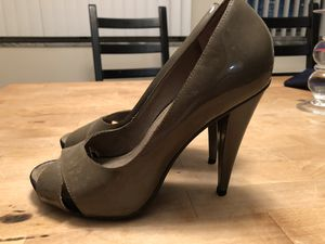 Michael Kors luxury women's shoe - high heel (8.5 size) for Sale in Cleveland, OH