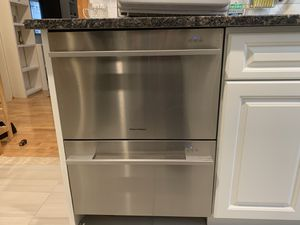 Fisher& Paykel Dishwasher moving need to sell ASAP for Sale in Queens, NY