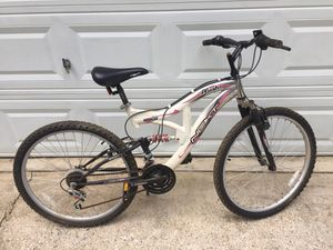 "Next plush 26"" Aluminum Mountain bike road bike road bike for Sale in Cumming, GA"
