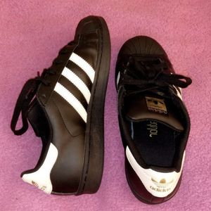 Adidas shoes 7 1/2 for Sale in Seattle, WA