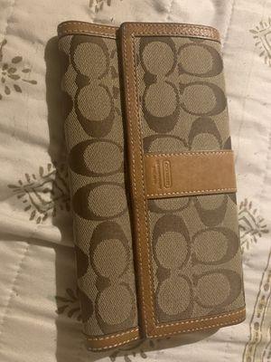 Coach wallet - excellent condition for Sale in Glendale, AZ
