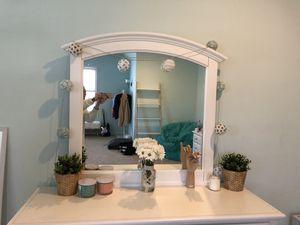 Dresser mirror. for Sale in Ashburn, VA