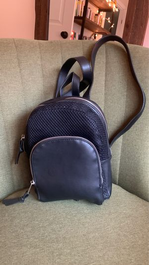 Like new women's black backpack/purse faux leather for Sale in Issaquah, WA