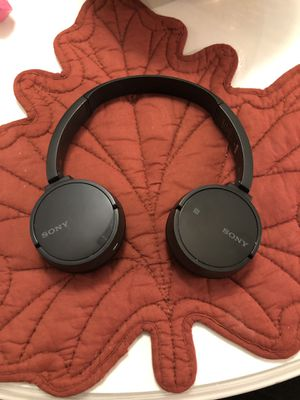 Sony wireless headphones for Sale in Chicago, IL