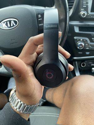 Wireless solo 3 Dre beats for Sale in Los Angeles, CA