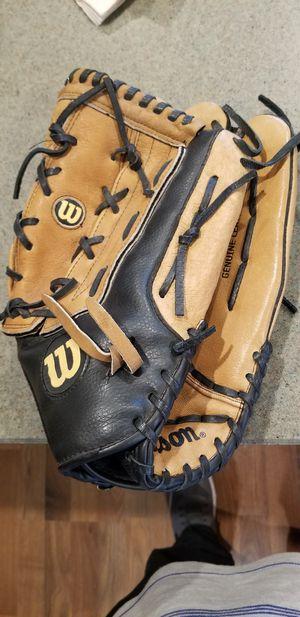 """14"""" Wilson baseball softball glove for Sale in Norwalk, CA"""
