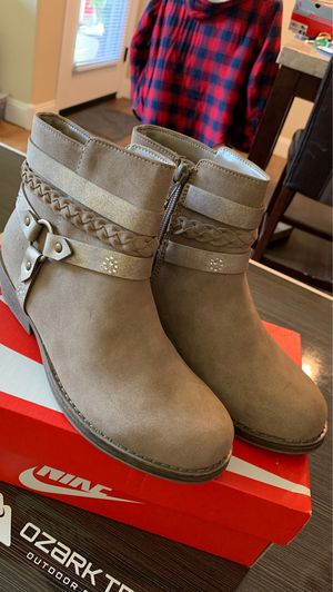 Girls boots for Sale in Gilbert, AZ