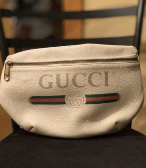 Large Gucci belted bag for Sale in Brooklyn, NY