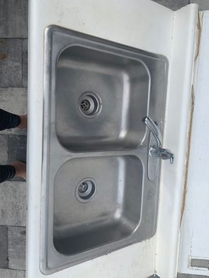 KITCHEN SINK for Sale in Tampa, FL