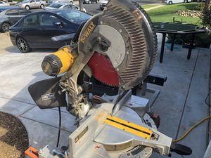 DeWalt Compound Miter Saw for Sale in Walnut Creek, CA