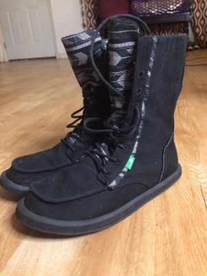 SANUK Winter boots. Thermal snow rain sz 7 for Sale in San Antonio, TX