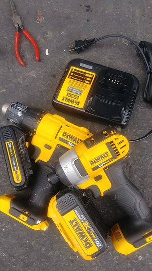 Dewalt set impact and 2 speed drill for Sale in Montclair, CA