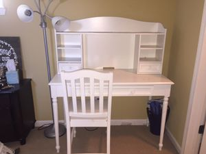 White desk FOR SALE! for Sale in Byron, CA