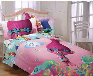Brand new Trolls Full Sheet Set. Includes: 1 flat Sheet, 1 Fitted Sheet and 2 Standard Pillowcases for Sale in Monroe, NC