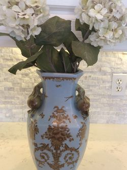 Vase for Sale in Hollywood,  FL