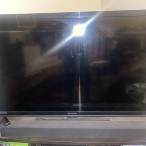 52 Inch EmersonTv (slightly Used) With Remote for Sale in Cerritos, CA