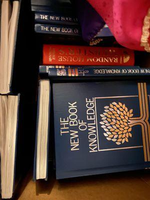 Full Set of Encyclopedias Like New for Sale in Pittsburg, CA