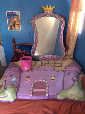 Girly wall decor for Sale in Hesperia, CA