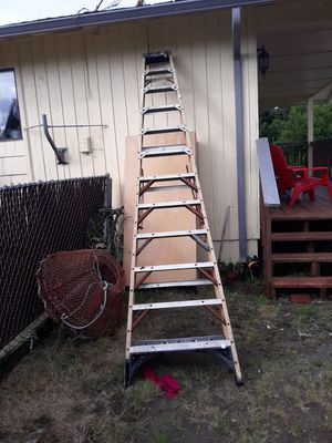 12 ft. aluminum ladder Husky for Sale in Ocean Shores, WA