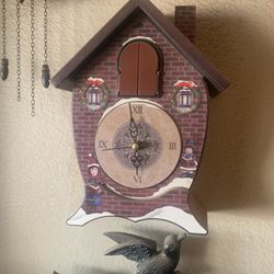Cuckoo clock for Sale in Hesperia,  CA