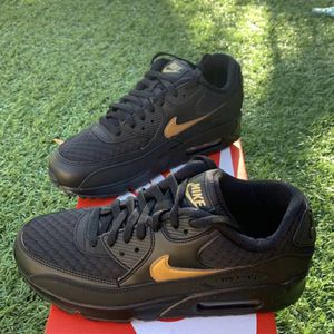 Nike Air Max 90 Essential Size 8&8.5 for Sale in Las Vegas, NV