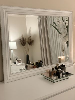 Decorative 30Inch x 42!Inch Large Mirror in White for Sale in Livonia, MI