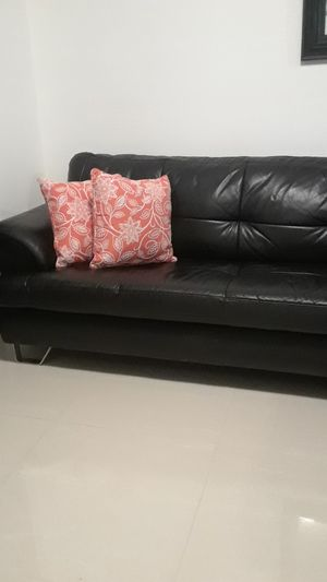 BLACK LEATHER SECTIONAL NEW for Sale in Miami, FL