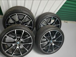 20 bmw rims and tires 8 series for Sale in Hartford, CT