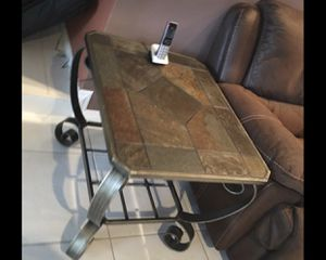 Console/end table and coffee table for Sale in Miami Gardens, FL