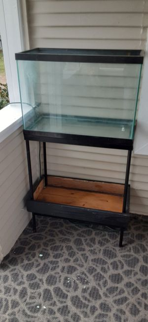 20 gallon tank with stand for Sale in Houston, TX