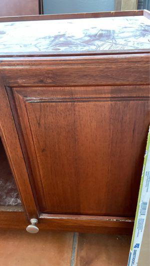 Home kitchen cabinet 32 1/2x26 for Sale in Miami, FL