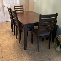 Dining table set for Sale in La Verne,  CA
