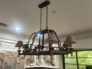 Kitchen island lighting chandelier fixture super nice $99 firm for Sale in West Hollywood, CA