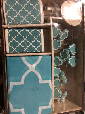 Matching turquoise Bathroom bundle set decorations home house restroom for Sale in Los Angeles, CA