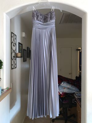 Grey Prom dress only wore once $50.00 for Sale in Avondale, AZ